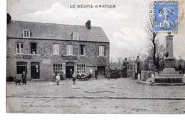 LE MESNIL GARNIER (50) Manche.Commerces. Café  GUENIER Avec Consommateurs Années 30 (cpa 66) - Frankreich