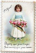 CPA ( Fantaisie ) - Fillette Portant Coupe De Fleurs Avec Un Poisson - Carte Gaufrée ( Dim : 7.5 X 11 Cm ) - Dentelée - 1er Avril - Poisson D'avril