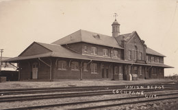 RPPC REAL PHOTO POSTCARD UNION DEPOT COCHRANE ONTARIO TRAIN STATION RAILWAY DEPOT - Stations Without Trains