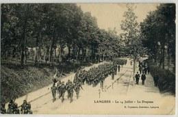 LANGRES Défilé Militaire Le 14 JUILLET , Le Drapeau, Pas Courante - Autres Communes