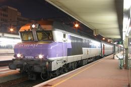 Lyon Part-Dieu (69) 14 Janvier 2006 - La CC 72074 En Tête D'un Train  De Nuit. Livrée «En Voyage» - Lyon