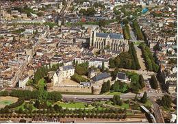 CPM/CPSM - NANTES  - Vue Aérienne Sur A Ville  Le Château Des Ducs De Bretagne Et  La Cathédrale St Pierre - Nantes