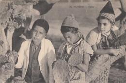 Algérie - Portrait Jeunes Enfants - Algérie - Fillette - Cactus - Kinderen