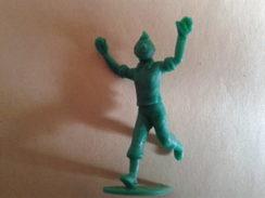 20 Figurines De Tintin Différentes. Stenval. ( Photos Pas Tres Nettes) - Tintin