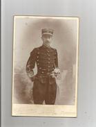 MAUBEUGE (NORD) PHOTO ANCIENNE AVEC MILITAIRE (1898 ?) (PHOTOGRAPHE E DESMAREZ MAUBEUGE) - Guerre, Militaire