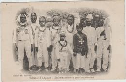 SULTANAT D'ANJOUAN (COMORES) - ENFANTS COSTUMES POUR LES TAM TAM - Comores