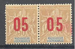 Madagascar: Yvert N° 113/113A*; Chiffres Espacées; Se Tenant - Madagascar (1889-1960)