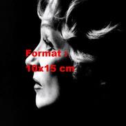 Reproduction D'une Photographie D'un Portrait De Profil De Marlène Dietrich Dans L'ombre - Reproductions