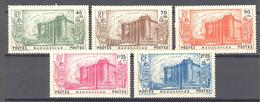 """Madagascar: Yvert N° 209/213*; Série """"Bastille""""; Le 209 Rousseurs Sur La Gomme - Madagascar (1889-1960)"""