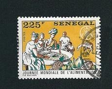 N° 617 Journée Mondiale De L'alimentation (225) Timbre SÉNÉGAL Oblitéré - Senegal (1960-...)
