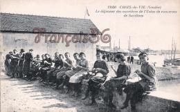(85) Croix De Vie - Le Déjeuner Des Ouvrières De L' Usine De Conserves De Sardines - 2 SCANS - Autres Communes