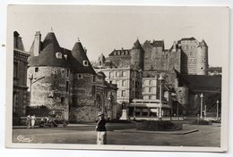 DIEPPE -- Les Tourelles Et Perspective Sur Le Vieux Chateau (animée ,belle Voiture Ancienne ) ... Pas Très Courante - Dieppe