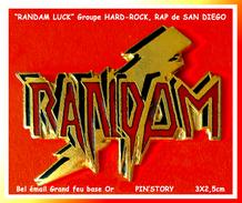 """SUPER PIN´S MUSIQUE-RAP-HARD ROCK : Le GROUPE De """"RAP"""" RANDAM LUCK émail Grand Feu Base Or Signé PIN'STORY, 3X2;5cm - Música"""