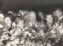 Voyage Du President Russe Nikita Khrouchtchev En Amerique En 1959 Reportage De 62 Photos Anciennes - Photographs