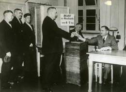 Allemagne Hambourg Plébiscite Du 19 Août 1934 Bureau De Vote Ancienne Photo 1934 - Photographs