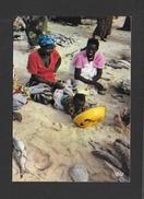 SÉNÉGAL - AFRIQUE - MARCHANDES DE POISSONS - FISHMONGERS - CLICHÉ P.CHARETON - PAR IRIS - Sénégal