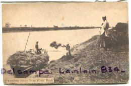 - Asie - Viet Nam - Loading Straw  From River Bank, Carte Rare,  Non écrite, TBE, Scans. - Viêt-Nam