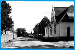 CPSM 22 UZEL-près-L'OUST - Le Parc Mail - Nouvel Hôtel Des Postes (bureau De Poste) ° Cim Combier - Frankreich