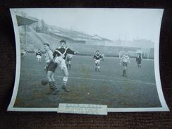 Photo De Football , Le Havre , Stade Municipale Graville ( Jules Deschaseaux ) , Tribune Coté Rue De Verdun Et Harfleur - Le Havre