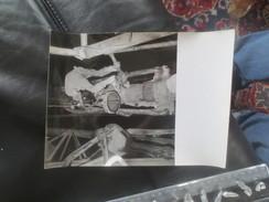ALGERIE 1961- BUREAU DE RECHERCHES DE PETROLE-TUBAGE D'UN PUITS - VOIR PHOTOS - Métiers