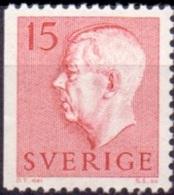 ZWEDEN 1957 15öre Driezijdig Getand Rood Gustaf VI Adolf Type II PF-MNH