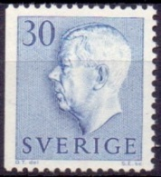 ZWEDEN 1957 30öre Blauw Driezijdig Getand Gustaf VI Adolf Type II PF-MNH