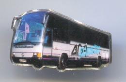 MERCEDES - Bus, Commercial Vehicle, Vintage Pin, Badge, Abzeichen - Trasporti
