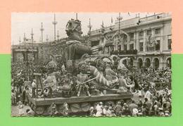 CPSM  FRANCE  06  ~  NICE  ~  Sa Majesté Carnaval Louis LXXI  ( SEPT Dentellée 1955 )  Animée - Carnaval