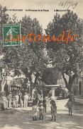 83 LE BEAUSSET LA FONTAINE DE LA PLACE BUVETTE ENFANTS BELLE ANIMATION SUPERBE - Le Beausset