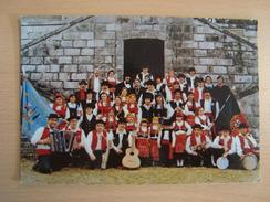 CP BREUILLET 91  Grupo Folciorico Portugues 51 Rue Du Pavé - Francia