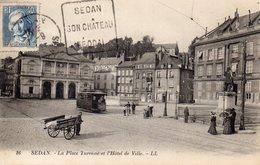 CPA SEDAN - LA PLACE TURENNE ET L'HOTEL DE VILLE - Sedan