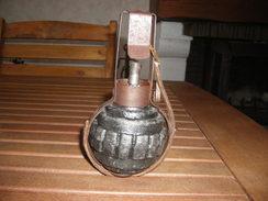 Vends Grenade KUGEL  ALLEMANDE 14/18 AVEC SON PANIER DE TRANSPORT - 1914-18