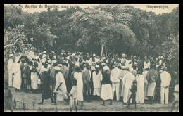 MOÇAMBIQUE - No Jardim Do Hospital Uma Resta.  Carte Postale - Mozambique