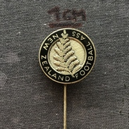 Badge (Pin) ZN005090 - Football (Soccer / Calcio) New Zealand Federation / Association / Union - Football