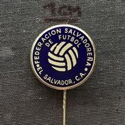 Badge (Pin) ZN005098 - Football (Soccer / Calcio) El Salvador Federation / Association / Union - Football