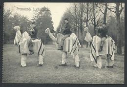 """+++ CPA - CAMP DE BEVERLOO - LEOPOLDSBURG - """"Promenade à Chameaux"""" - Militaria  // - Leopoldsburg (Camp De Beverloo)"""