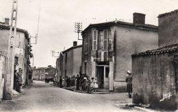 Rochetrejoux : Une Rue (cpsm) - France