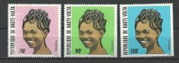 """Hte-Volta YT 590 à 592 """" Coiffures Féminines """" 1983 Neuf** - Haute-Volta (1958-1984)"""