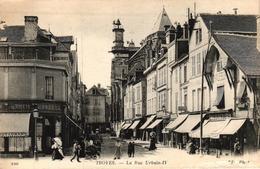 TROYES -10- LA RUE URBAIN IV - Troyes