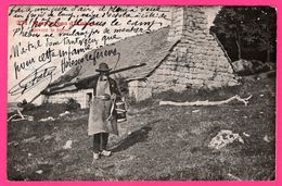 Montagnes D'Aubrac - Devant Le Buron - Maison - Paysan - Animée - E. CARRÈRE - Édit. RODEZ - 1909 - Aumont Aubrac