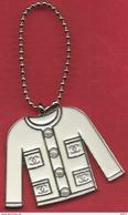 Chanel - Accessoire Sac Porte Clef Petite Veste Blanche Miniature En Métal émaillé Dos Métal Argenté Brillant - Accessories