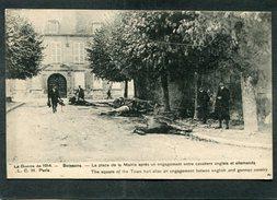 CPA - La Guerre De 1914 - SOISSONS - La Place De La Mairie Après Un Engagement Entre Cavaliers Anglais Et Allemands, Ani - Guerre 1914-18