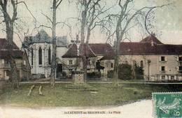CPA - SAINT-LAURENT-en-BRIONNAIS (71) - Aspect De La Place Et Du Calvaire En 1909 - Autres Communes