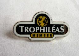 Pin's TROPHILEAS MEMBER - ARTHUS BERTRAND - Renault