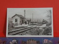 Cartes Postales >  [52] Haute Marne > Humes, La Gare - Non Circulé - France