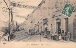 83 - VAR / Flassans - Hôtel Du Commerce - Beau Cliché Animé - Défaut (pli) - - Francia