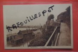 Cp Granville  Les Relparts Le Port N 16 - Granville