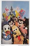 X1352 DISNEYLAND MICKEY AND HIS FAVORITE FRIENDS 2 SCANS - Disneyland