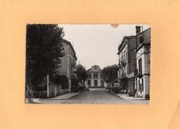 Carte Postale -  D38 - BOURGOIN - La Gare - Bourgoin