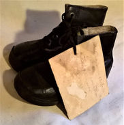 Ancienne Paire De Chaussures D'Enfant - Souvenir De La Seconde Guerre Mondiale WW2 - 1939-45